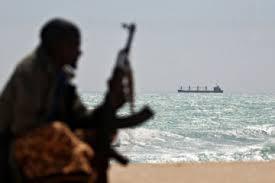 Біля берегів Нігерії пірати напали на судно і викрали 10 членів екіпажу, зокрема українця