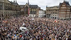 В Амстердамі тисячі людей вийшли на вулиці на підтримку протестів в США