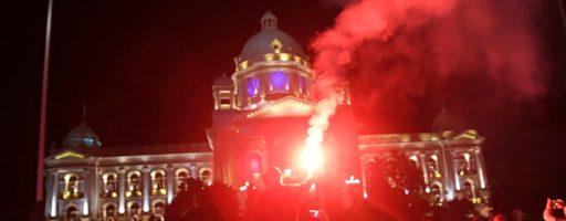Сербія оголосила комендантську годину: у столиці спалахнули протести